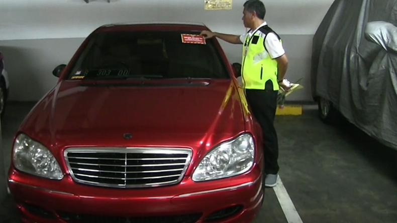 Giliran 16 Mobil Mewah Tunggak Pajak Rp500 Juta Tepergok Parkir di Apartemen Tanjung Duren