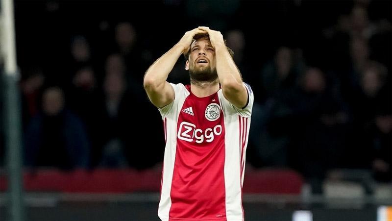 Liga Belanda Resmi Disetop, Ini Respons Ajax dan AZ Alkmaar