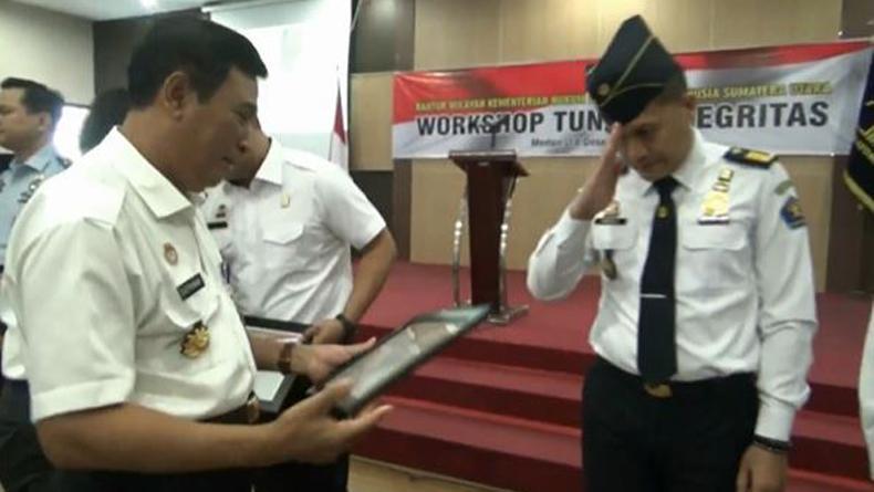 Tolak Sogokan Rp3 M dari Bandar Sabu, 3 Pegawai Imigrasi Sumut Diganjar Penghargaan