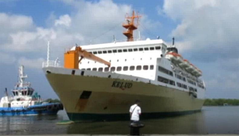 Mesin Check-In Rusak, Puluhan Penumpang KM Kelud Tertinggal di Dermaga Pelabuhan Belawan