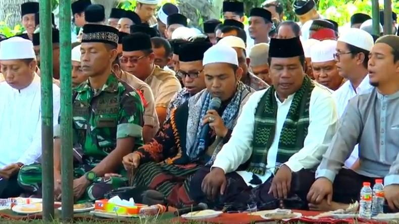 Peringati Tsunami Aceh 2004, Ribuan Warga Berdoa di Kuburan Massal Meulaboh