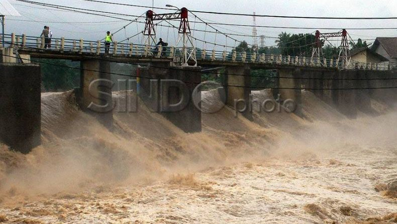 Kawasan Puncak Hujan, Permukaan Air Bendung Katulampa Naik
