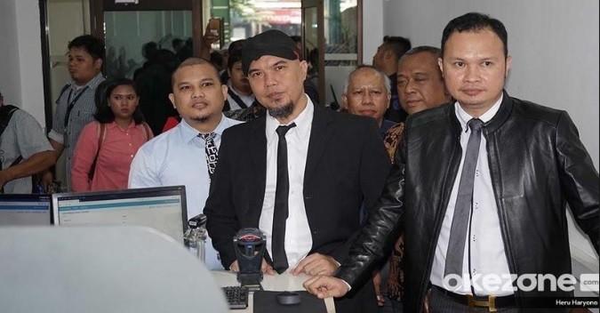 Melihat Gaya Prabowo Ucapkan Selamat ke Jokowi usai Putusan MK
