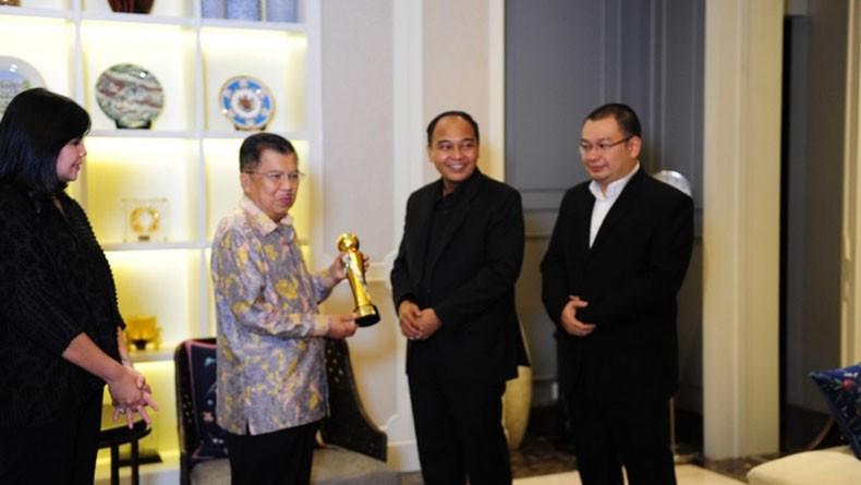 Indonesia Awards 2019 Anugerahi Jusuf Kalla Lifetime Achievement Award