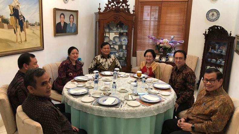 Makan Siang Bersama, Prabowo Duduk Diapit Megawati dan Puan Maharani