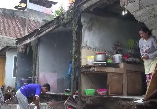 Banjir Terjang Cimareme Bandung Barat, Ratusan Rumah Rusak