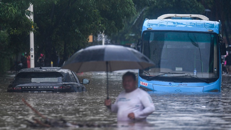 Banjir dan Pemadaman Listrik Berdampak pada Jaringan Telekomunikasi
