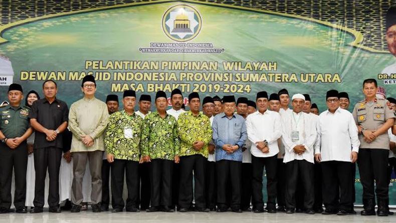 Lantik Pengurus DMI Sumut Periode 2019-2024, JK: Selamat Bekerja dan Makmurkan Masjid
