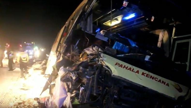 Kecelakaan Libatkan Bus dan Truk di Tol Cipali, 2 Orang Tewas di Tempat