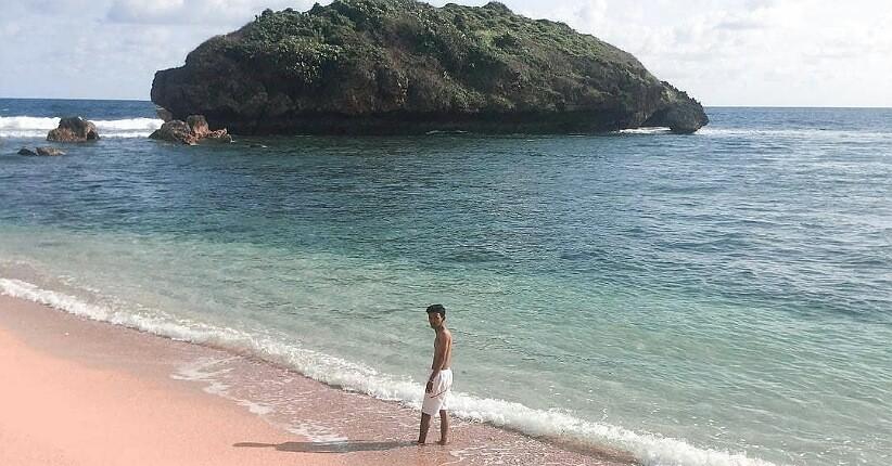 Terpikat Keindahan Pantai Sadranan Gunungkidul, Airnya Jernih Bisa Lihat Terumbu Karang