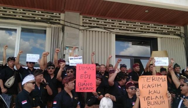 Ratusan Sopir Taksi Online Datangi Kantor Grab, Protes Pemutusan Sepihak