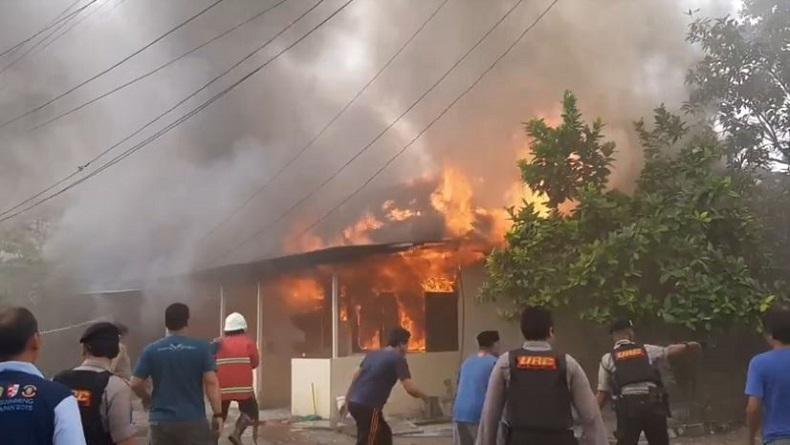 Asrama Polisi Segara di Balikpapan Terbakar Hebat, 14 Bangunan Habis Dilalap Api
