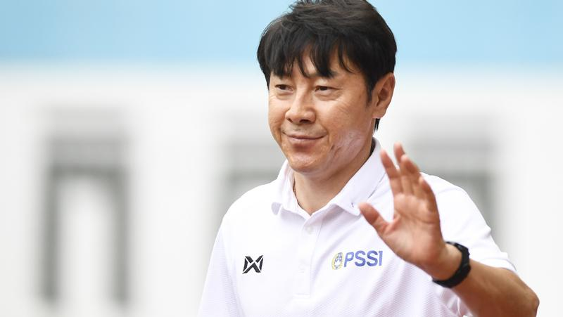Ketum PSSI Pastikan Shin Tae-yong Tetap Latih Timnas Indonesia