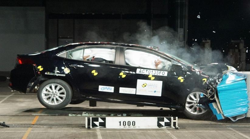 Raih 5 Bintang dari NCAP, Toyota Corolla Altis Mobil Paling Aman saat Kecelakaan