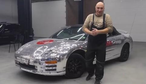 Pria Rusia Modifikasi Mitsubishi Eclipse Pakai Puluhan Ribu Cermin