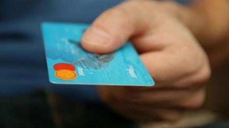 Inggris Kini Larang Penggunaan Kartu Kredit untuk Berjudi