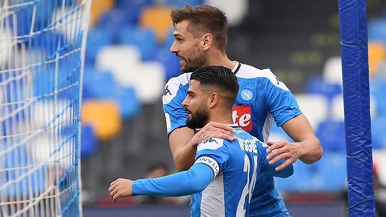 Gol Penalti Insigne Bawa Napoli ke Perempat Final Coppa Italia