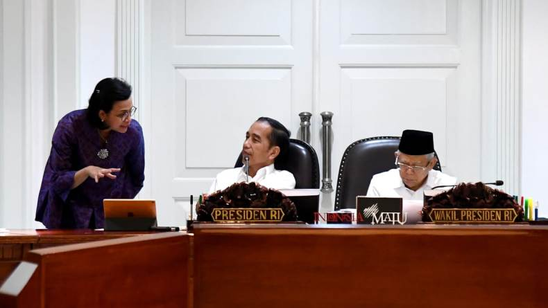 Jokowi Targetkan Draf UU Omnibus Law Selesai Minggu Ini