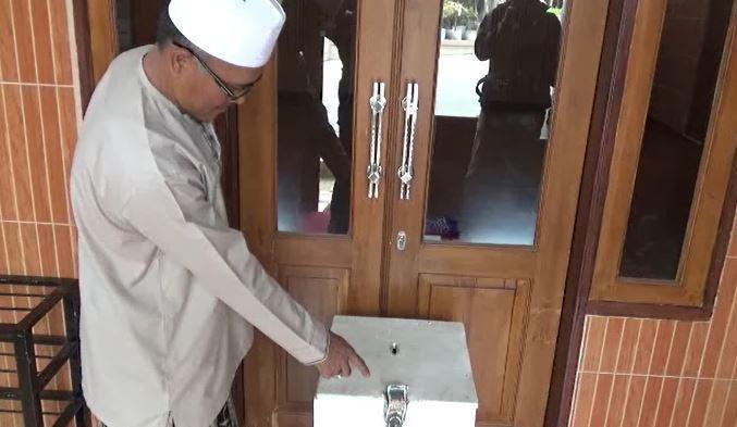 Kotak Infak Masjid di Bandung Dicuri, Pelaku Pakai Peci dan Koko