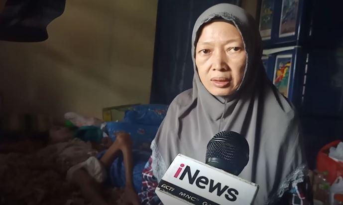 Rizky Bocah di Bandung yang Buta dan Tak Bisa Bicara Dirawat Ibu Angkat sejak 1 Tahun