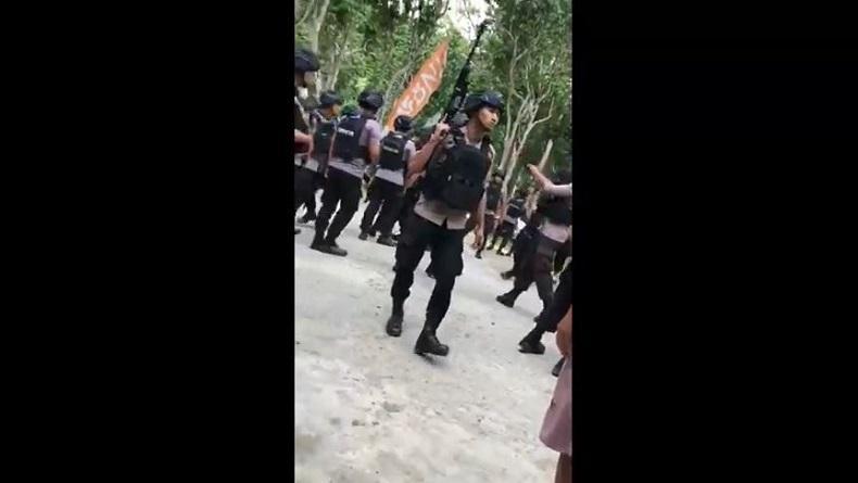 Viral, Warga dan Sejumlah Anggota Brimob Cekcok di Lokasi Wisata Polewali Mandar