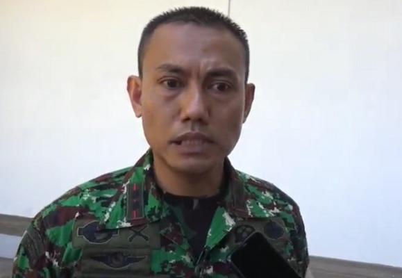 Aparat TNI Bantu Warga Usir Pembalak Liar di Buleleng Bali