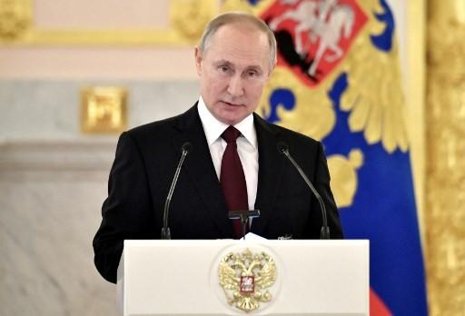 Putin Ancam Tutup Apotek yang Ambil Untung dari Wabah Virus Korona
