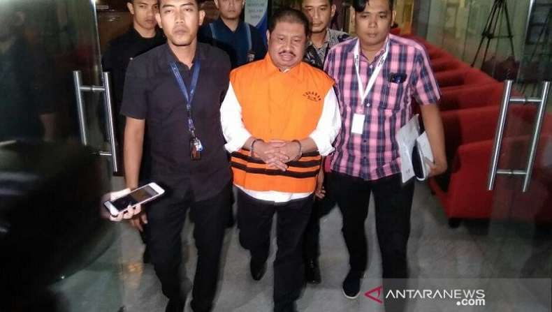 KPK Tahan Bupati Bengkalis Amril Mukminin di Rutan Kelas I Jakarta Timur