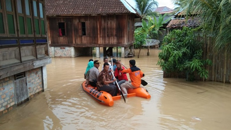 BPBD Sumsel Akan Tambah Perahu Karet untuk Permudah Evakuasi Korban Banjir