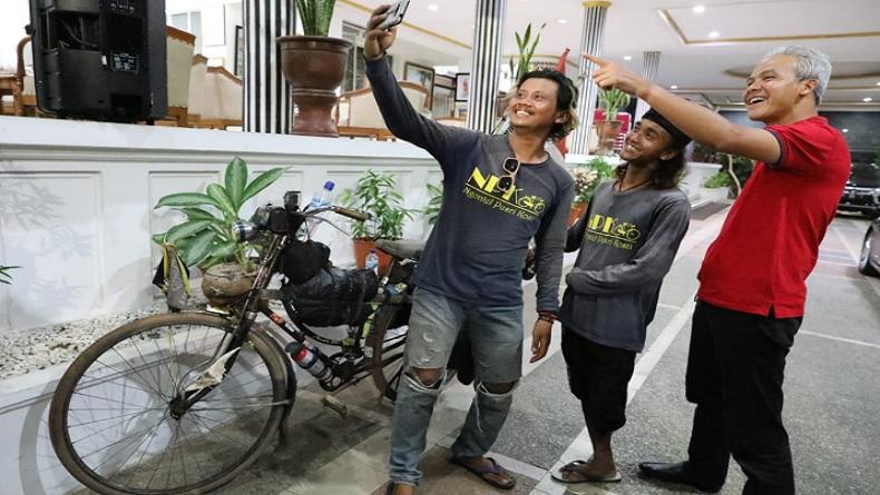 Gowes Sepeda dari Aceh, 2 Difabel Ini Temui Ganjar Pranowo