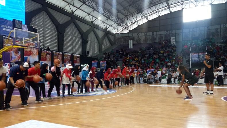 2.000 Guru Olahraga se-Jawa Timur Ikuti Pelatihan Basket dari Pelatih Jr NBA