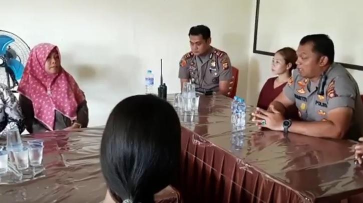 Viral Video Anak SD di Singkawang Didenda Guru Rp30.000 karena Nonton Cap Gomeh