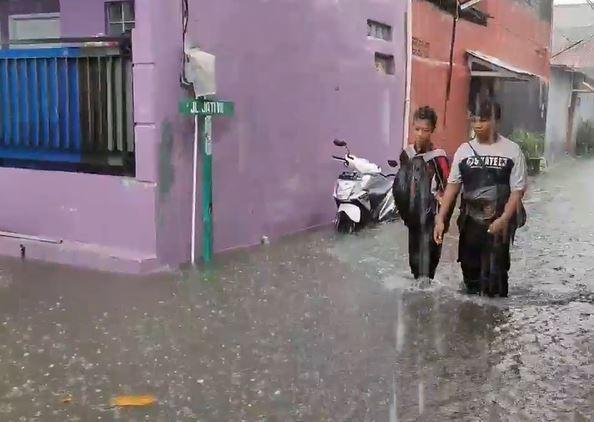 Banjir Rendam Sukmajaya Depok, Genangan Capai 1 Meter