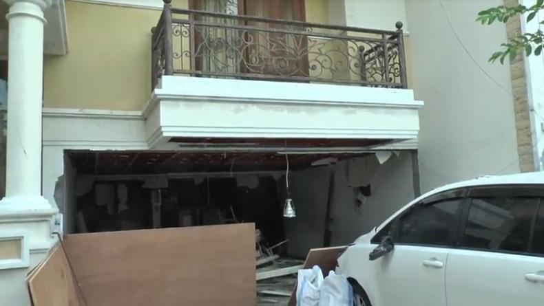 Ledakan Elpiji Hancurkan Mobil dan Dapur Rumah Mewah di Surabaya, 1 Korban Luka Bakar