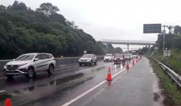 Tol Cipularang Terancam Tebing Longsor, Polisi Pastikan Arus Kendaraan di KM 118 Kembali Normal