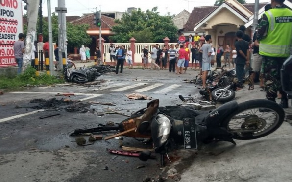 Laga Persebaya Vs Arema, Sejumlah Motor Dibakar Massa Suporter di Blitar