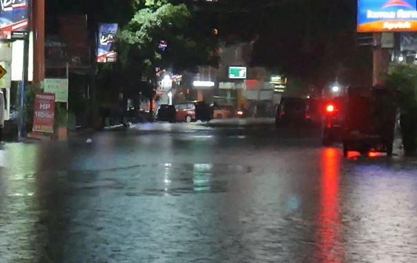 Banjir Terjang Jalan Protokol di Parepare, Diduga karena Drainase Buruk
