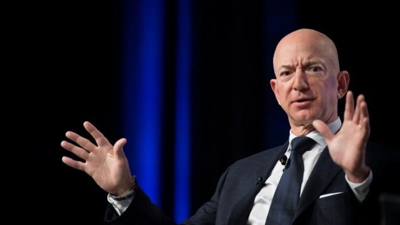 Orang Terkaya Dunia Jeff Bezos Bangun Kapal Pesiar Raksasa Dilengkapi Helipad