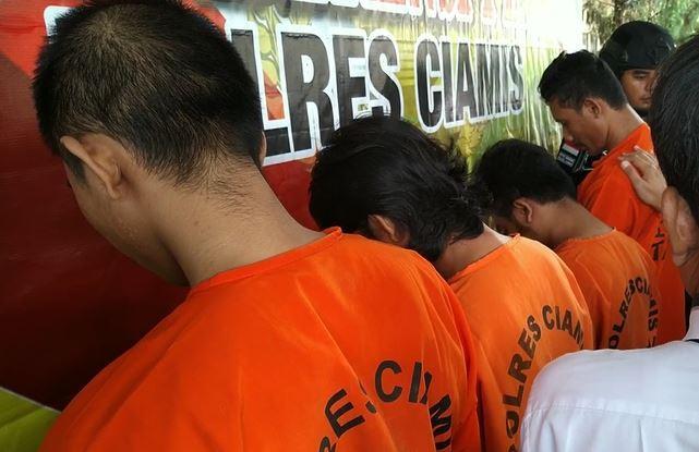 Isi Waktu Luang sambil Main Judi Kartu Remi, 4 Orang di Ciamis Diciduk