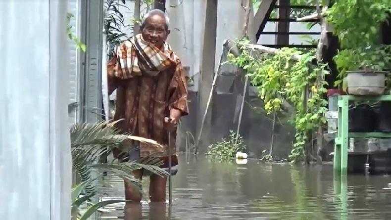 Belum Juga Surut, Banjir Masih Rendam Rumah-Rumah Warga di Parepare