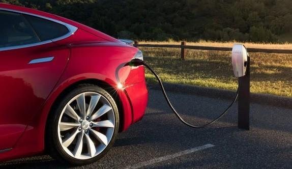 Tesla Ingin Gunakan Baterai Mobil Listrik Murah Buatan China