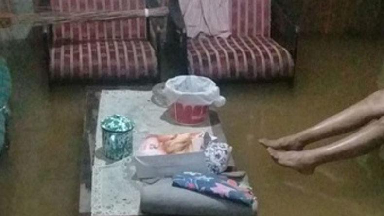 Korban Banjir Luapan Sungai Ciliwung Tempati 3 Posko Pengungsian