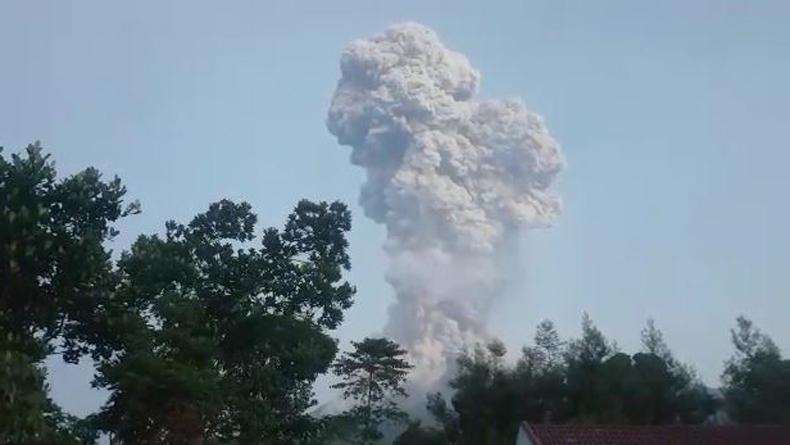 Merapi Berpotensi Luncurkan Awan Panas usai Erupsi, BNPB Imbau Warga Waspada