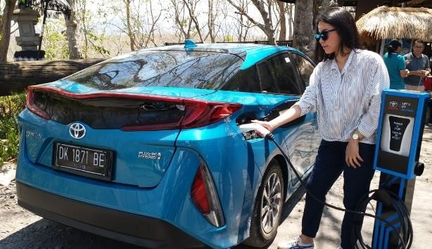 Perkuat Kendaraan Listrik, Toyota Akan Produksi Mobil Hybrid di Indonesia