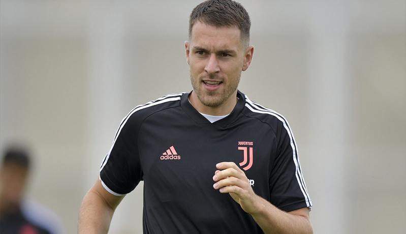 Aaron Ramsey Menuju Pintu Keluar Juventus