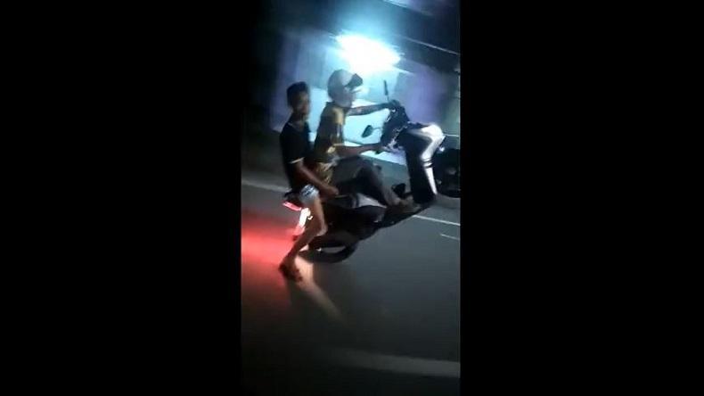 Berulah Lagi, 4 Anggota Geng Motor Makassar Atraksi Standing di Depan Polisi