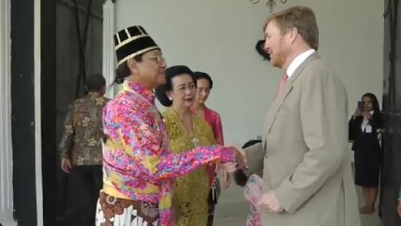 Foto Sri Sultan HB X dan Raja Belanda Jabat Tangan Ramai Komentar Netizen