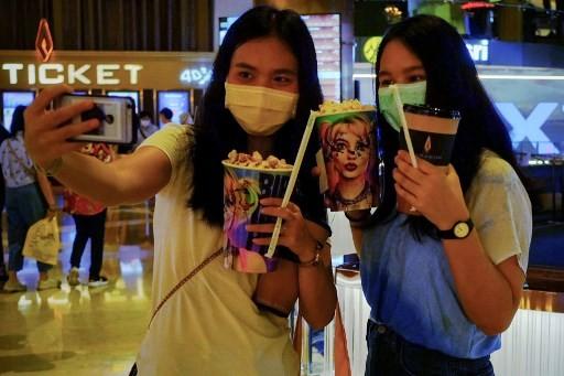 Thailand Peringatkan Warga Tak Berbagi Minuman dan Rokok di Tengah Pandemi Korona