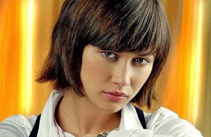 Olga Kurylenko, Pemain Film James Bond Positif Virus Korona Baru