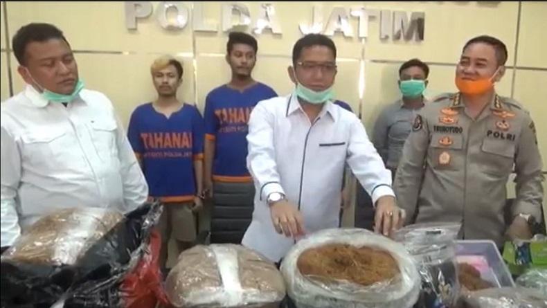 3 Pengedar Tembakau Gorila Online Ditangkap di Surabaya